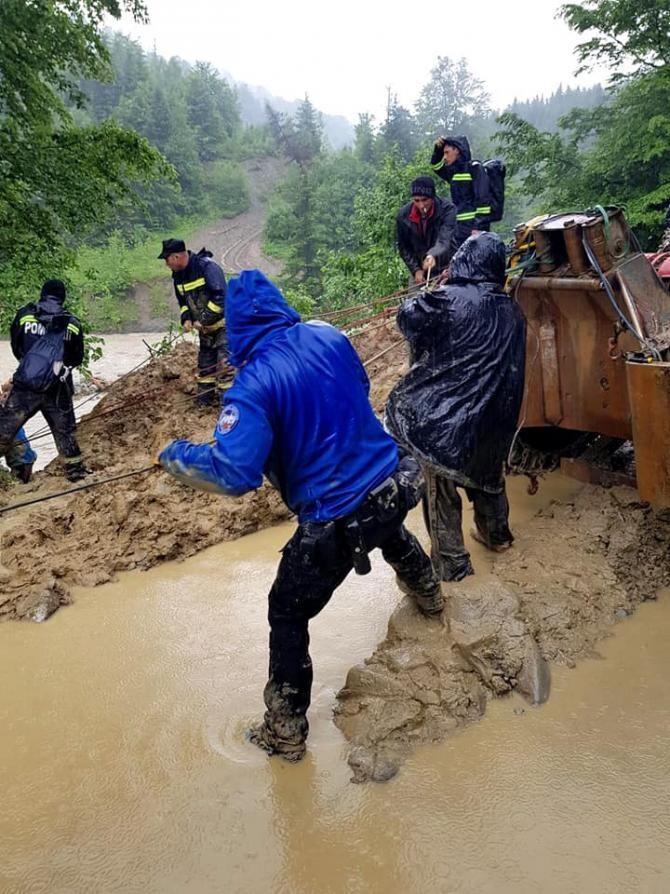Operațiune de salvare, motiv de scandal / Foto: Facebook Jandarmeria Vrancea