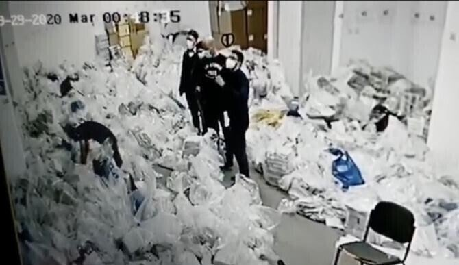 Imagine din sala cu sacii de voturi pentru Primăria Sectorului 1