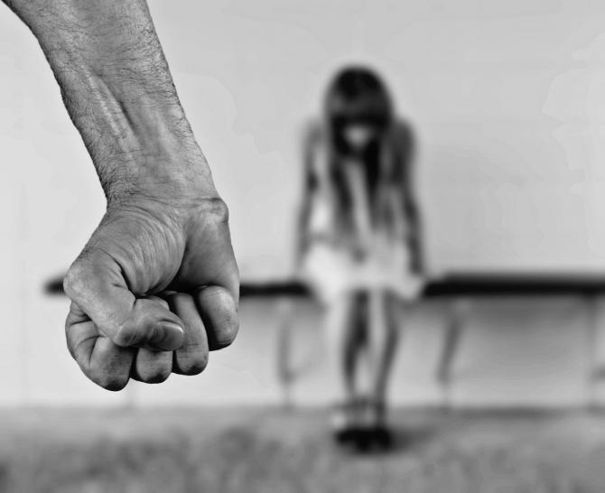 Fată de 13 ani din Argeș, bătută crunt de tatăl său / Foto: Pixabay