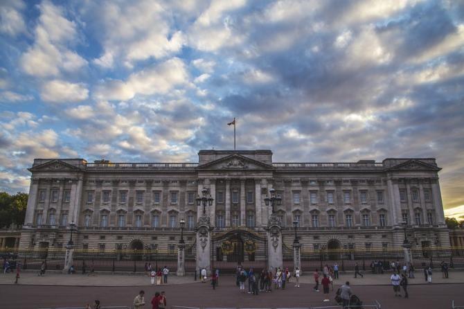 Pixabay / Palatul Buckingham recunoaște că angajează prea puțini etnici minoritari