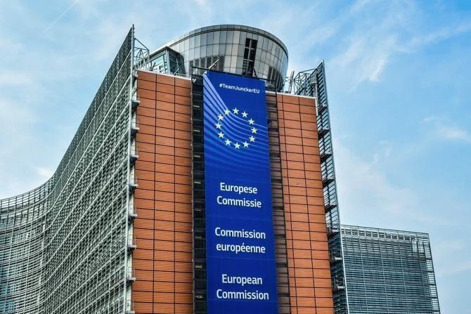 Parlamentul European se pregăteşte să dea în judecată Comisia Europeană