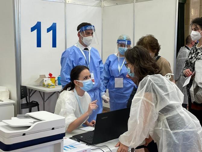 precizări despre repetarea vaccinării pentru românii care au primit două doze
