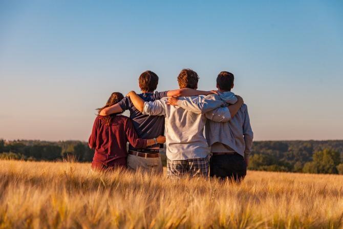 Prieteni până la moarte. Un tânăr de 17 ani și-a pus capăt zilelor, / Foto: Pixabay