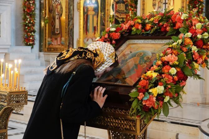Procesiunea cu moaştele Sfântului Ioan cel Nou a contribuit la scăderea cazurilor de COVID-19 în oraş, spune primarul Sucevei