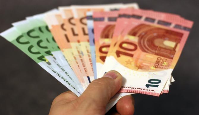 Angajatul român, plătit la fel ca cei din Europa. Boiangiu, ELA, despre drepturile muncitorilor în UE / Foto: Pixabay