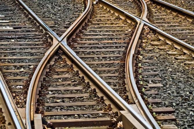 Pixabay / Un tânăr care s-a aruncat în fața trenului și-a anunțat moartea pe Facebook
