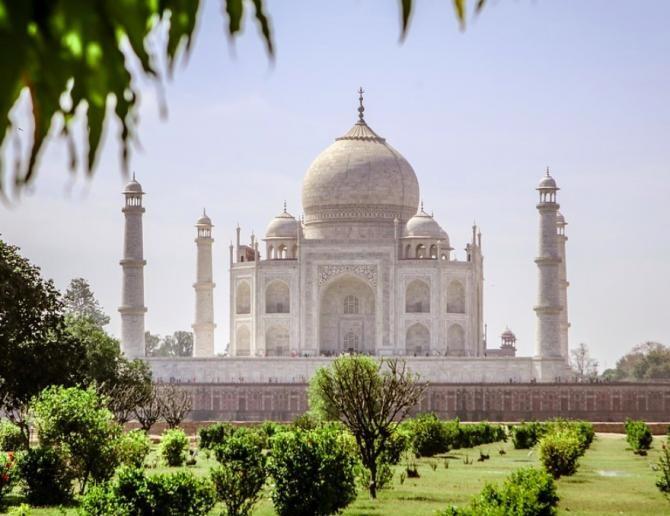 Taj Mahal se redeschide turiștilor. India relaxează măsurile