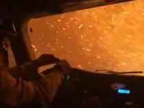Imagini virale cu o mașină de pompieri cuprinsă de flăcări în timpul unei intervenții din California / Sursă foto: Captură Twitter