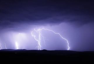 ANM, atenționări nowcasting. COD ROȘU de furtuni puternice - 28 iulie 2021