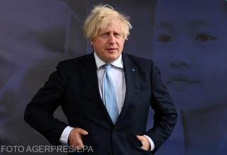 Boris Johnson, GAFA care l-a făcut pe Prințul Charles să râdă în hohote la un eveniment solemn - VIDEO