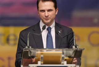 Sebastian Burduja o face praf pe Armand: După ce s-a văzut primar, cu voturile PNL, a uitat de orice parteneriat