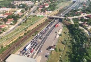 Poliția supraveghează traficul și din elicopter / Captură video Poliția Română
