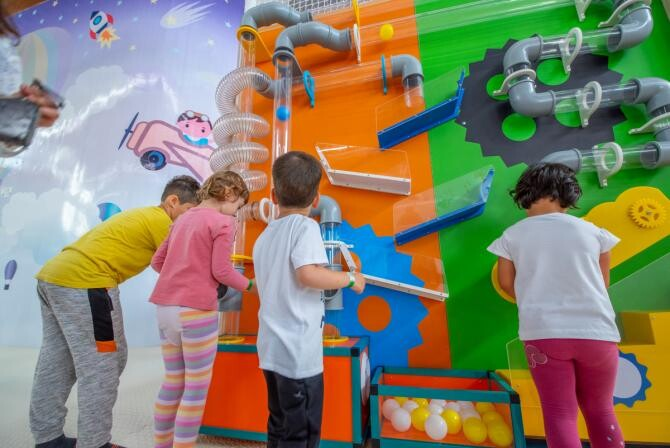 2. -imagine fara descriere- (02-energy-kids-family-center--cel-mai-mare-spatiu-de-joaca-interior-din-romania--ofera-distractie-nelimitata-in-iulius-town-timisoara_92609100.jpg)