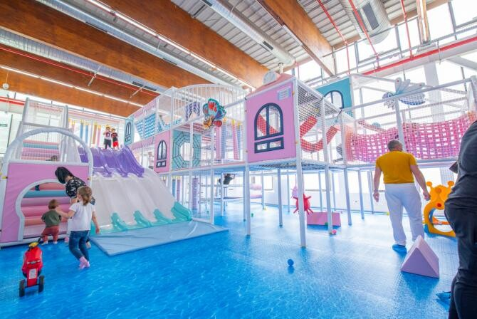 3. -imagine fara descriere- (03-energy-kids-family-center--cel-mai-mare-spatiu-de-joaca-interior-din-romania--ofera-distractie-nelimitata-in-iulius-town-timisoara_00913600.jpg)