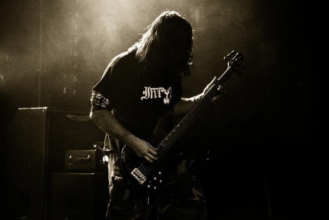 Doliu în muzica rock. A murit basistul Dusty Hill Doliu în muzica rock. A murit Dusty Hill, celebrul basist cu barbă de la ZZ Top caracter ilustrativ: Pixabay