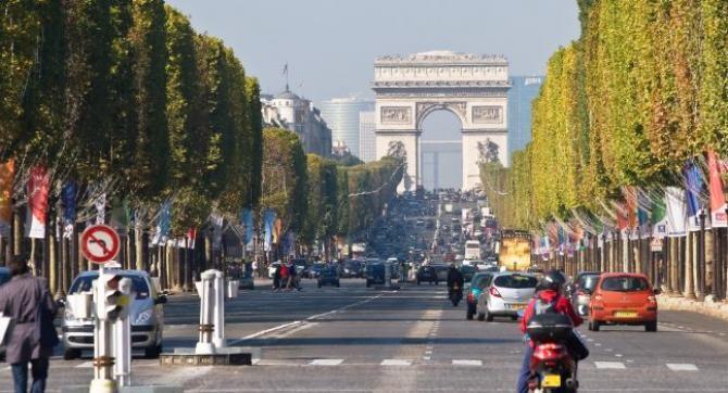 Franţa marchează din nou Ziua Naţională cu o paradă militară pe Champs-Elysées, în pofida ameninţării variantei Delta