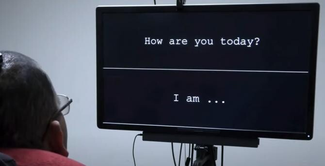 O tehnologie revoluționară a transformat gândurile unui bărbat paralizat în cuvinte scrise pe un ecran / Sursă foto: Captură YouTube