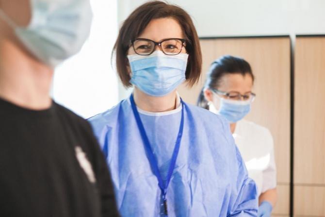 Ministrul Sănătății: Președintele Colegiului Medicilor susține ideea ca medicii să se testeze pe banii lor  /   Sursă foto: Facebook Ioana Mihăilă