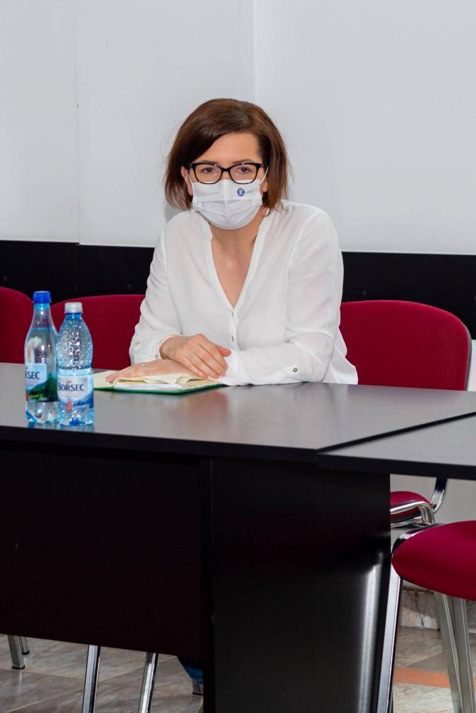 Facebook Ioana Mihaila