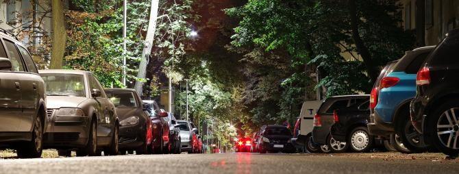 Moarte suspectă în Bistrița. Bărbat, găsit fără suflare într-o mașină parcată pe stradă / Foto: Pixabay