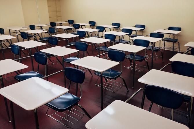 Proba scrisă la examenul pentru definitivare în învăţământ - miercuri, în 42 de centre. Participă 9.000 de candidați