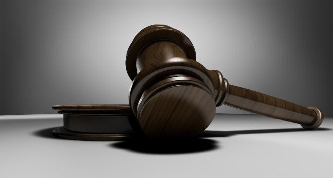 Şeful Serviciului de Protecţie Internă Suceava din subordinea MAI, trimis în judecată pentru corupţie