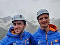 PREMIERĂ NAȚIONALĂ! Cei doi români care văd împreună 1% au cucerit vârful Elbrus, cel mai înalt din Europa  /  Sursă foto: Facebook Anca Mihutescu
