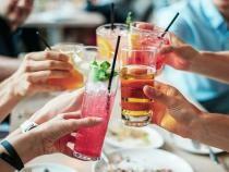 Detectivi pentru a depista petrecerile ilegale. Ibiza caută persoane care se pot infiltra printre turişti