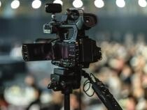 Un comentator sportiv era să moară în direct la TV / Foto: Pixabay