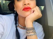 Foto Facebook Rihanna