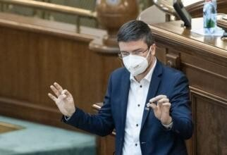 Irineu Darău: Nu îl susțin nici pe Barna, nici pe Cioloș. Nu mai au credibilitate. Alegerile în USR au fost organizate anti-democratic