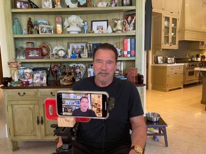 Arnold Schwarzenegger, mesaj dur pentru cei care nu poartă mască / Foto: Facebook Arnold Schwarzenegger