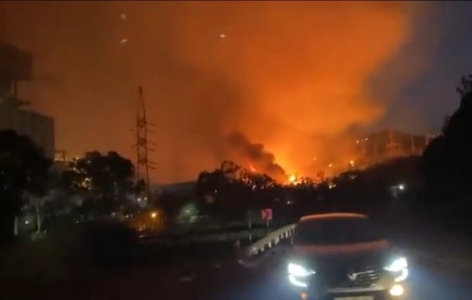 Panică în Turcia. O centrală termică, evacuată din cauza unui incendiu / Foto: Captură video Twitter