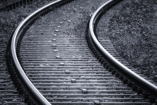 Destin tragic pentru doi bărbați. Au fost călcați de tren în timp ce își comemorau fratele ucis în același loc tot de un tren  /  Foto cu caracter ilustrativ: Pixabay
