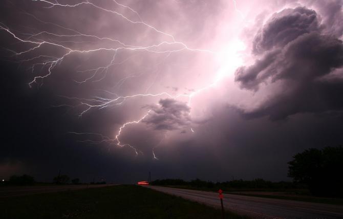 Foto ilustrativ furtună / Imagine de WikimediaImages de la Pixabay