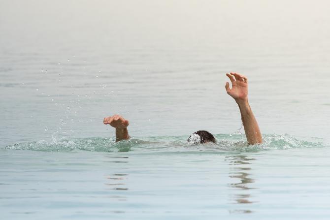 Cine sunt cei cinci adolescenți înecaţi în apele Siretului încercând să se salveze unul pe celălalt / Foto: Pixabay