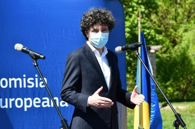 Bolnavii cronici, lăsați fără ajutoare de Primăria Capitalei / Foto: Facebook Nicușor Dan