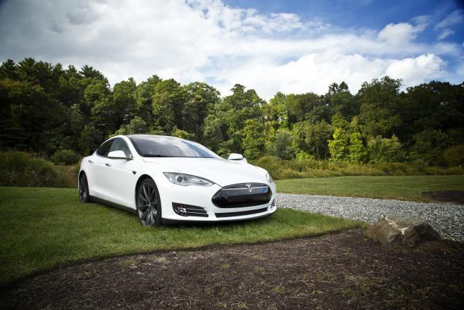 Pilotul automat al unui autoturism Tesla i-a salvat viața șoferului care a adormit la volan  /  Foto cu caracter ilustrativ: Pixabay