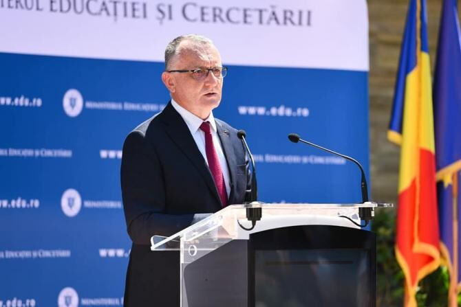 Președintele ARCIP, demis. Sorin Cîmpeanu: Au fost identificate 10 nereguli extrem de grave / Foto: Facebook Sorin Cîmpeanu