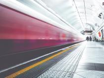Tragedie la metrou. O femeie a murit după ce câinele a tras-o pe șine / Foto: Pixabay