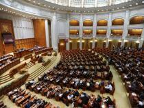 Moţiunea de cenzură anti-Cîțu iniţiată de USR PLUS şi AUR ar putea fi citită, joi, în plenul reunit. UPDATE: PSD, PNL, UDMR vor cere vot pe 1 octombrie