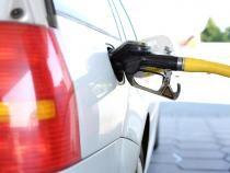 Noi SCUMPIRI pe piața carburanților. Avertismentul specialiștilor: 1 litru de BENZINĂ ar putea costa 7 lei / Foto: Pixabay