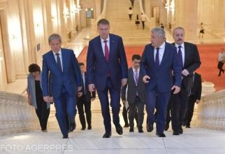 Cioloș i-a dat sms lui Iohannis după demiterea lui Stelian Ion. Ce au discutat: