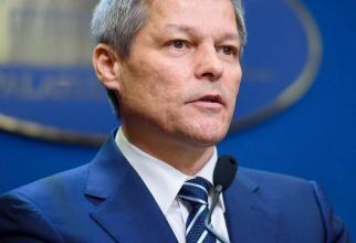 Dacian Cioloș conduce în lupta pentru șefia USR PLUS