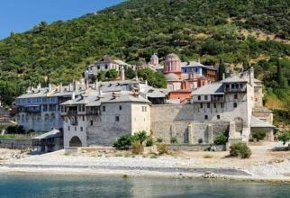 Muntele Athos, răspuns oficial după ce s-a zis că 1.000 dintre călugări au Covid-19: Nimeni nu e infectat, nimeni nu a murit