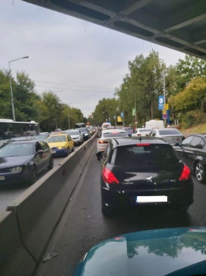 Trafic blocat Bucureşti, din cauza Saga Festival - FOTO Facebook Florin Cobzac