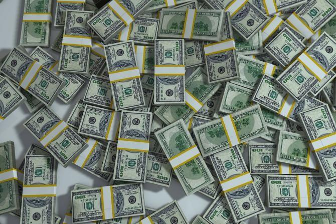 Talibanii au găsit 6,5 milioane de dolari şi lingouri de aur în casa fostului prim-vicepreşedinte afgan / Foto: Pixabay