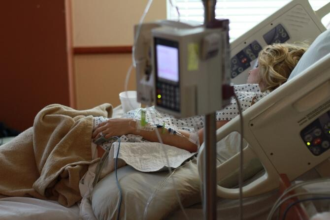 O asistentă din Baia Mare, infectată cu COVID-19, a murit la scurt timp după ce a născut / Foto: Pixabay