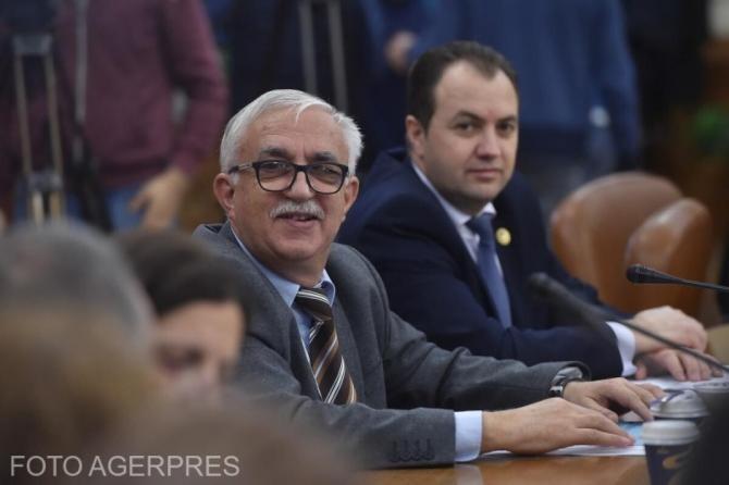 Augustin Zegrean: Dacă nu e cvorum, moțiunea nu poate fi citită în Parlament