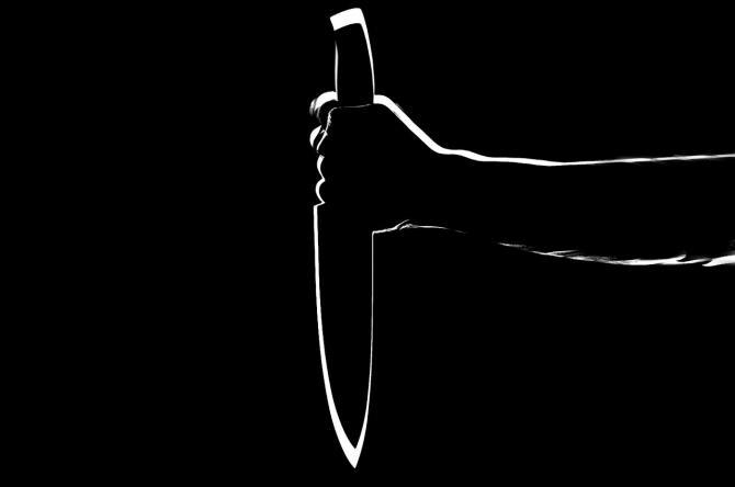 Bărbat, înjunghiat în piept de iubita sa pe peronul unei gări din Reșița / Foto: Pixabay